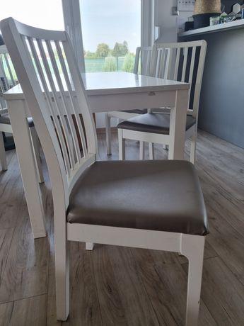 Stół ikea z 4 krzeslami