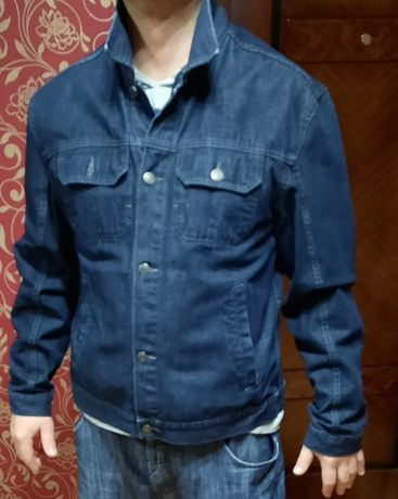 Продається джинсова куртка