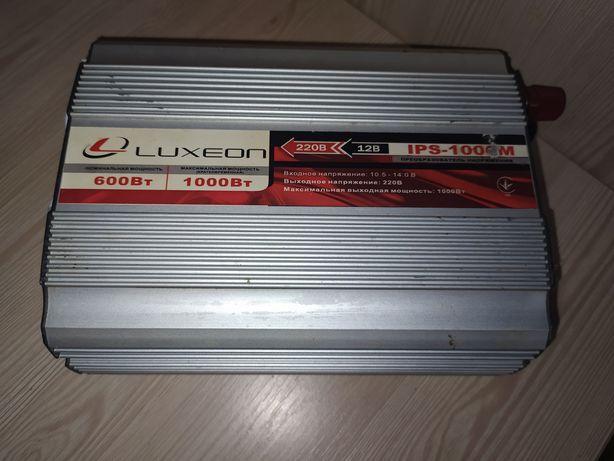 Инвертор Luxeon IPS 1000S, 12В/220В