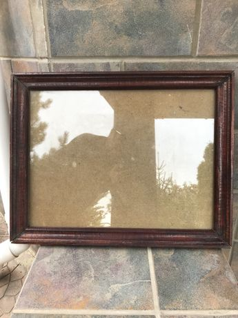Деревянная рама с стеклом