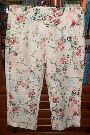 Новые летние штанишки в цветочки marks & spencer