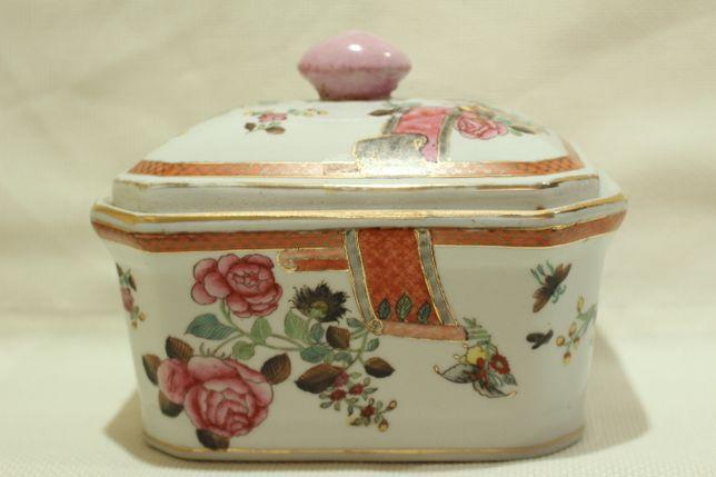 Caixa Porcelana Chinesa Período Qianlong XIX Família Rosa