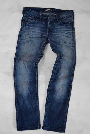 spodnie jeansowe przecierane Wrangler W27 L32 S 36