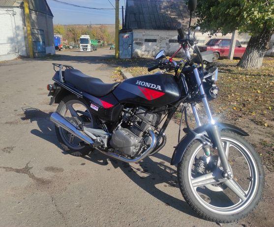 Мотоцикл Хонда сб125