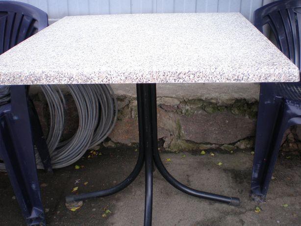 Продам недорого стол водонепроницаемый под мрамор со стульями ( а дачу