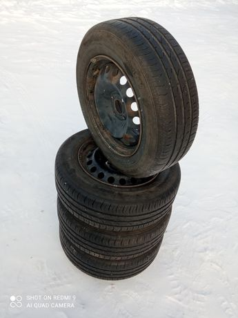 Продам колеса в гарному стані залишилися від автомобіля стояли на Рено
