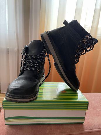 Ботинки демисезон ,кожзам ,размер 36