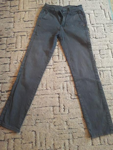 Турецкие джинсы на худенького мальчика.