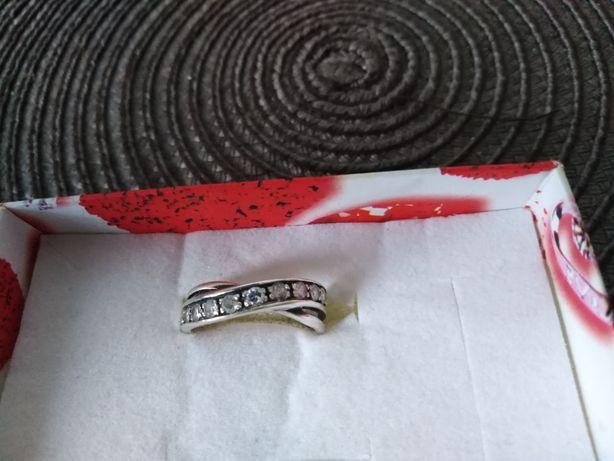 Pierścionek srebrny rozmiar 17