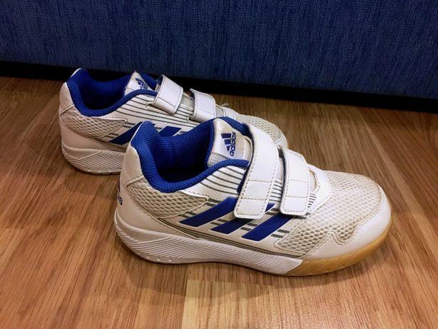 Кроссовки Adidas оригинал  р.32 в идеальном состоянии