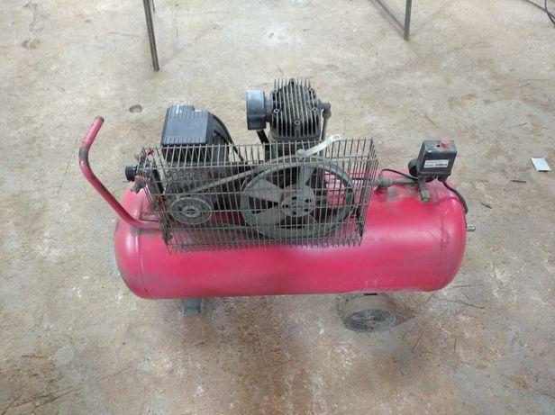 Compressor de 100 litros