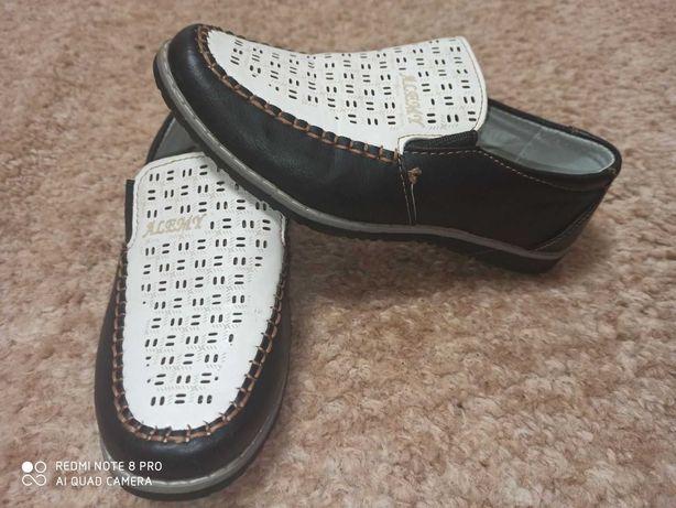 Красиві туфлі 34 розміру