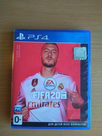 Продам диск с игрой FIFA 2020