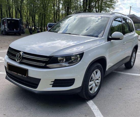 Продам VW Tiguan 2.0TSI 50тис.проб.4х4 шкіра,навігація,камера,монітор,