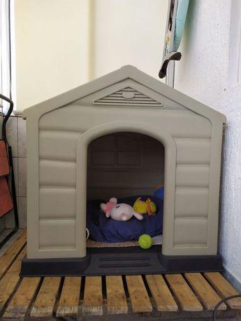 Casota para cão ( interior/ exterior)