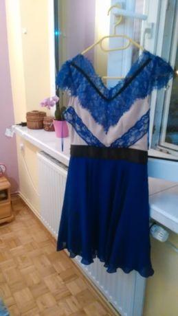 suknia z wstawkami z koronki 34