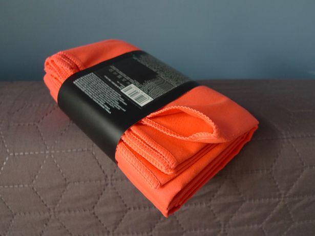 Szybkoschnący ręcznik 4F 80x130 - Gdynia morsowanie trening
