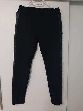 Nowe! Czarne spodnie na gumkę ze skórzanymi lampasami po bokach