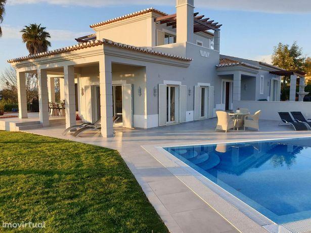 RESERVADA - Moradia T3 com piscina privada no Gramacho Golf Resort