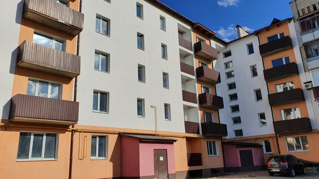 Продається двокімнатна квартира в новобудові 2-кімнатна м. Малин 50 м2