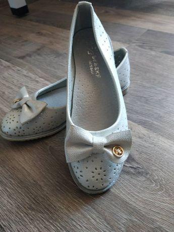 Туфлі для дівчинки 30 розмір