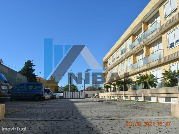 Apartamento T2 em Condomínio fechado - Canidelo