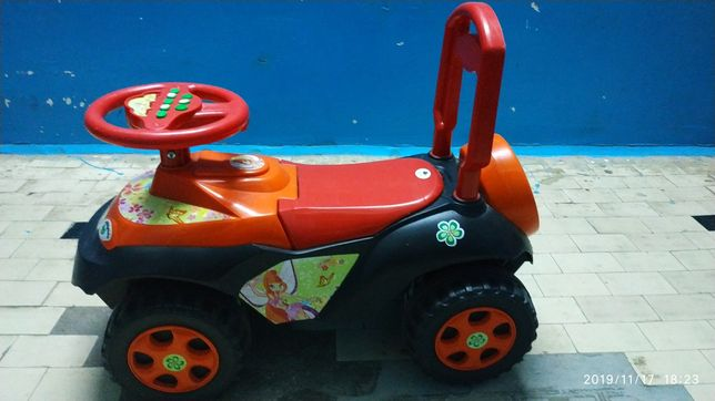 Продам дитячу машину
