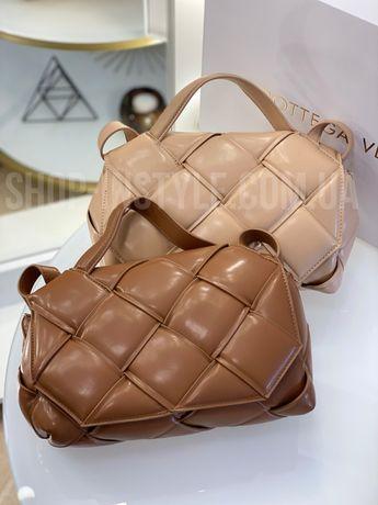 Стильная кожаная женская сумка кросс-боди Bottega Veneta. Разные цвета