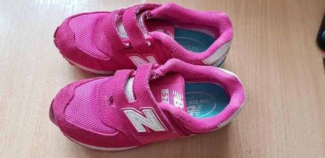 кроссовки для девочки New Balance( 19см длина по стельке)