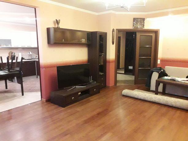 Продается 3-к квартира с ремонтом в кирпичном доме возле м. Демеевская