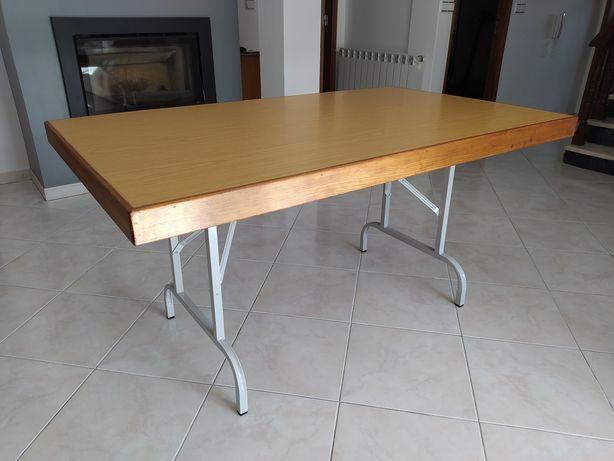 2 mesas em madeira dobráveis