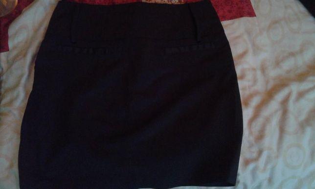 Czarna spódnica, rozmiar 38