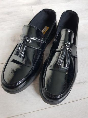 mokasyny męskie lakierki carrano okazja 44 czarne eleganckie buty
