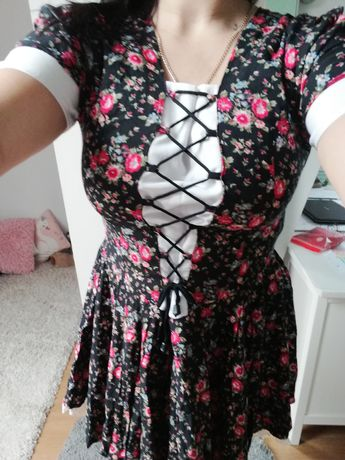 Sukienka  przed kolana rozm L