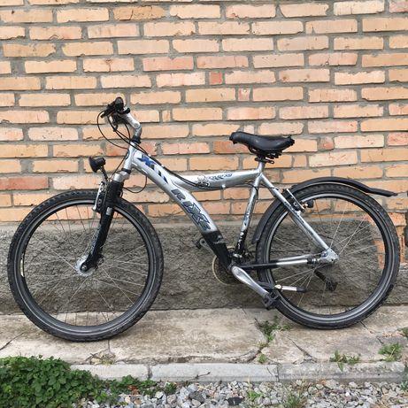 Горний Велосипед б/у ,колеса Shimano