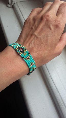 Duas pulseiras em miçanga /azul, turquesa,dourado