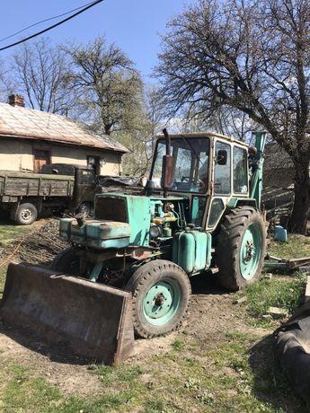 ЕО 2621 екскаватор, трактор, грейдер