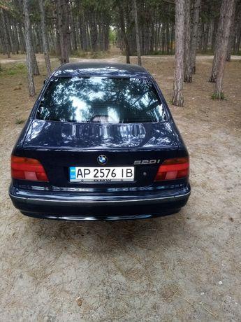 Продам хорошую BMW 520i