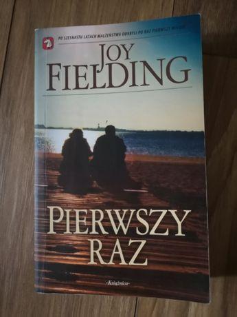 Pierwszy raz Joy Fielding