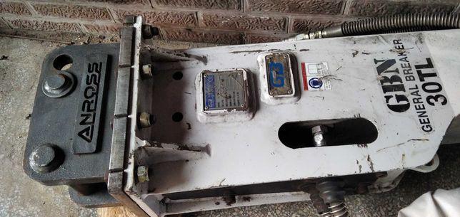 Młot hydrauliczny do koparki GB 180 kg