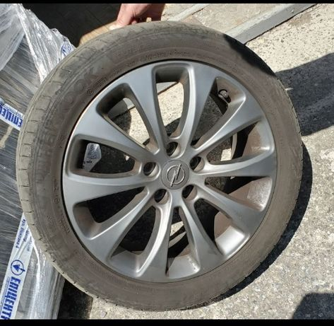 225/45 R17 hankook з дисками R17 110/5 Opel