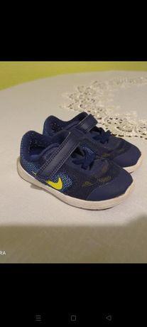 Adidasy chłopięce Nike rozm.22