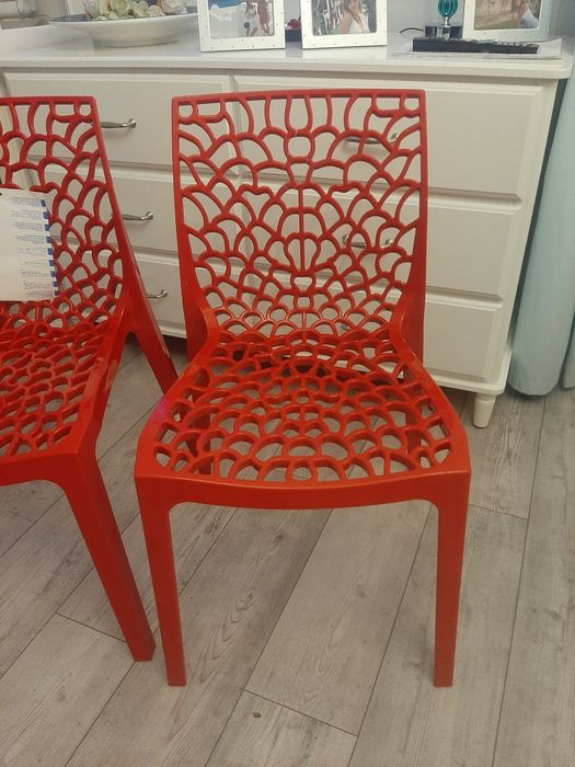 Czerwone krzesła Poznań - image 1