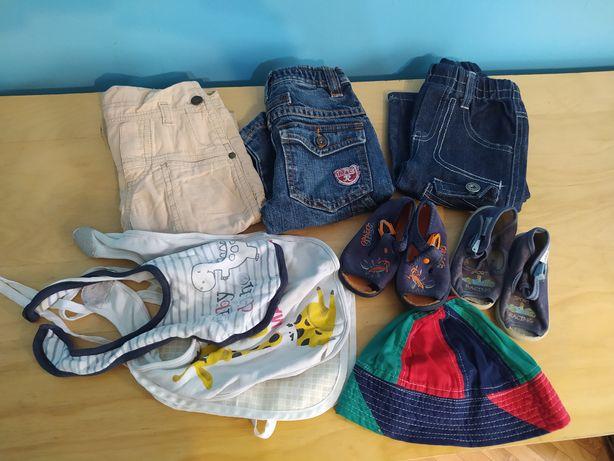 Zestaw dla dziecka okolo roczku buciki spodnie sliniaki
