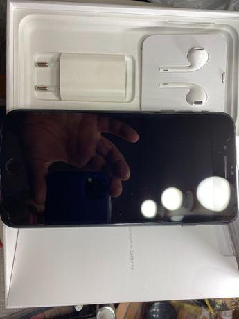 Продам свой любимый iPhone 7 Plus 128GB Neverlock (одни руки)