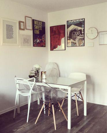 Biały stół komplet krzeseł krzesło plastikowe przeźroczyste białe
