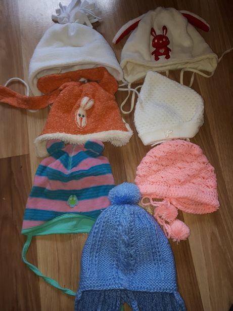 zestaw czapek