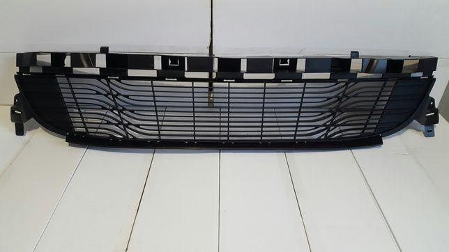 решетки радиатора хром накладки бампера Renault Megane 3