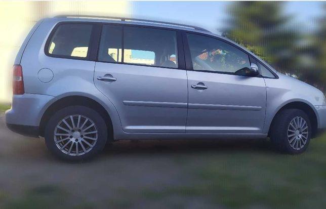 Samochód Volkswagen Touran