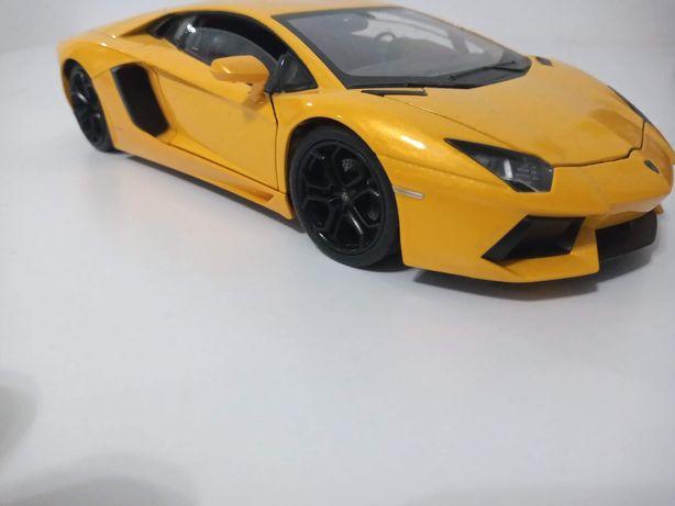 Autko kolekcjonerskie Lamborghini Aventador skala 1:24